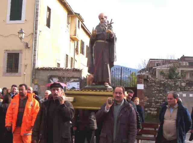 Sant 39 antonio abate 2004 for Arredo bimbo sant antonio abate