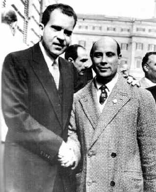 NEW ELECTED PRESIDENT RICHARD NIXON SHAKES HANDS WITH ALFONSO FELICI AT WHITE HOUSE